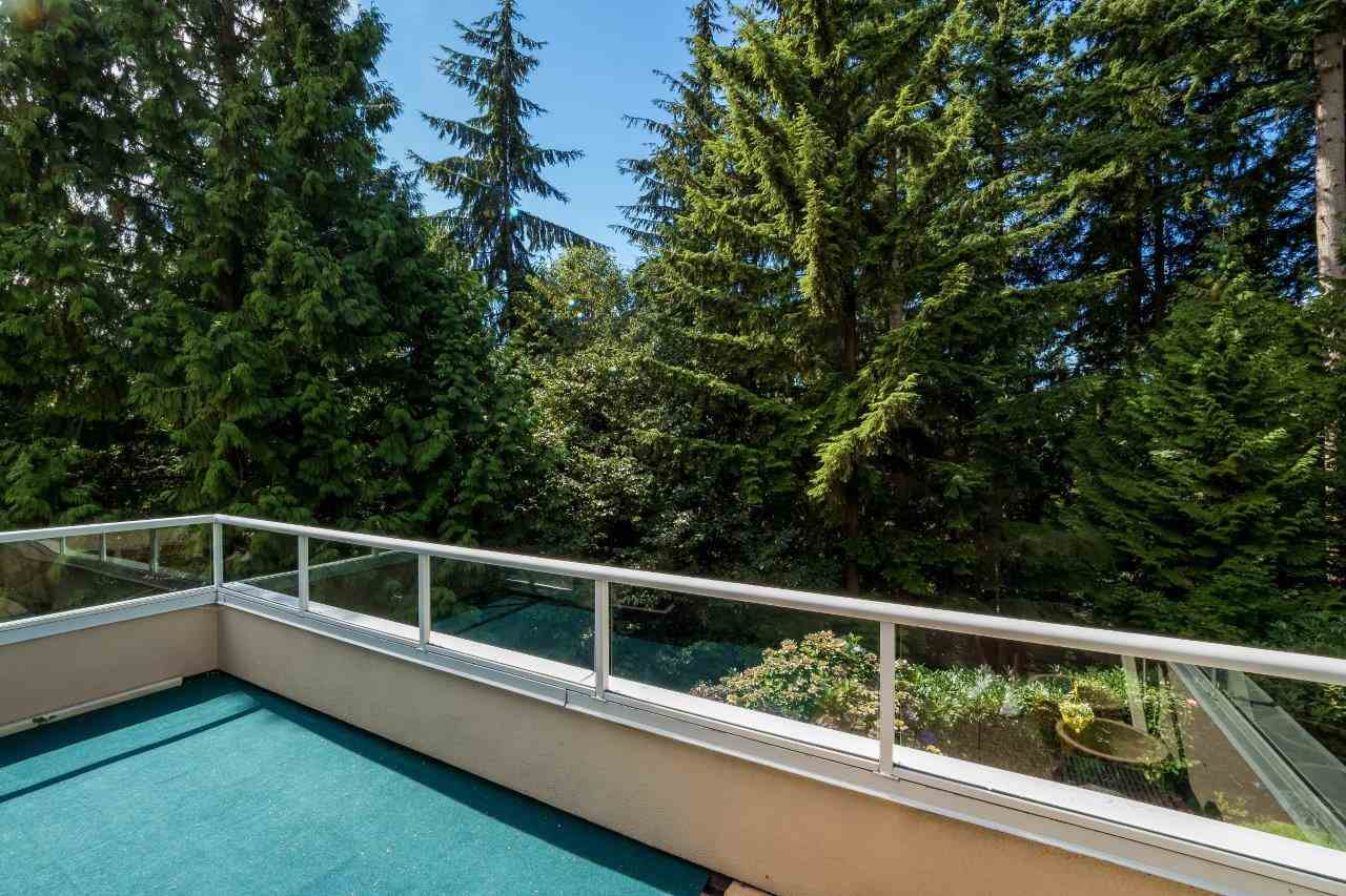 Condo Apartment at 5 2425 EDGEMONT BOULEVARD, Unit 5, North Vancouver, British Columbia. Image 19