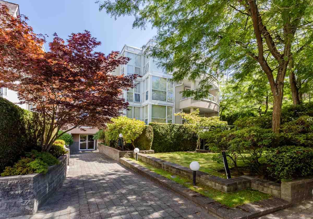 Condo Apartment at 208 7168 OAK STREET, Unit 208, Vancouver West, British Columbia. Image 1