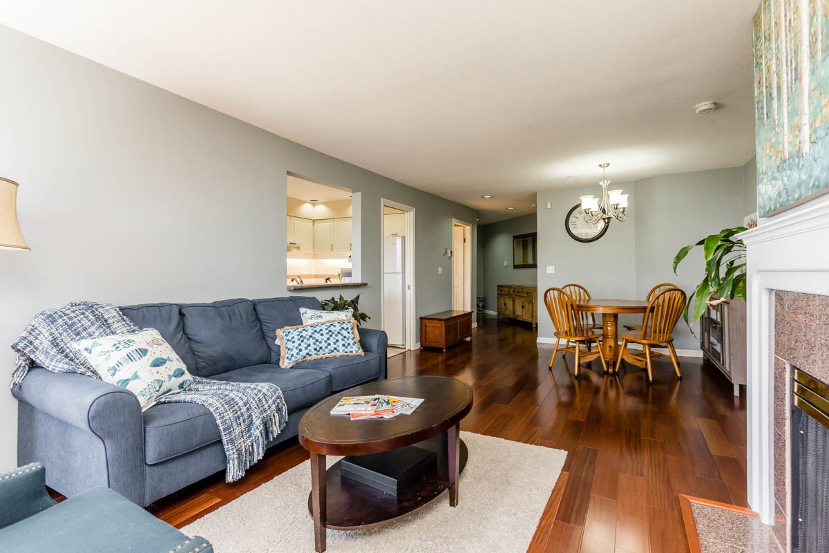 Condo Apartment at 208 7168 OAK STREET, Unit 208, Vancouver West, British Columbia. Image 4
