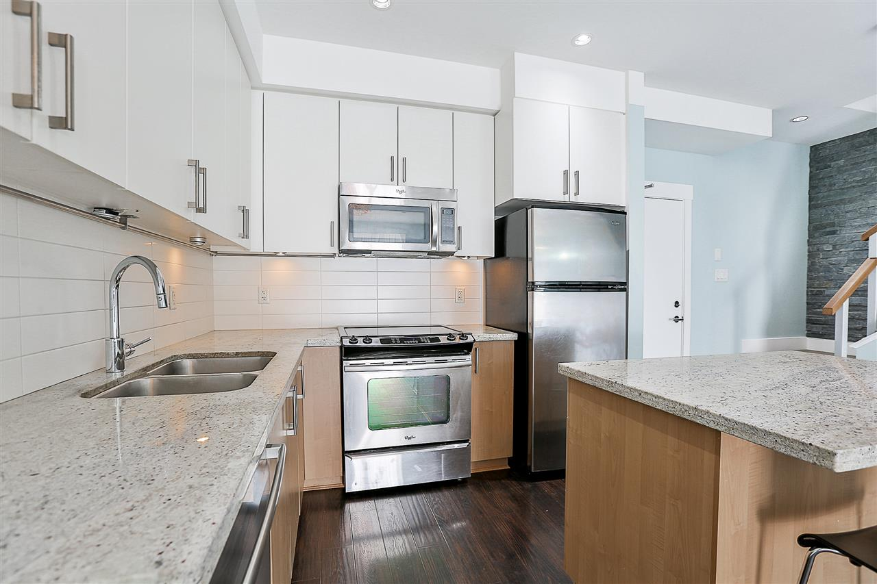 Townhouse at 116 85 EIGHTH AVENUE, Unit 116, New Westminster, British Columbia. Image 2