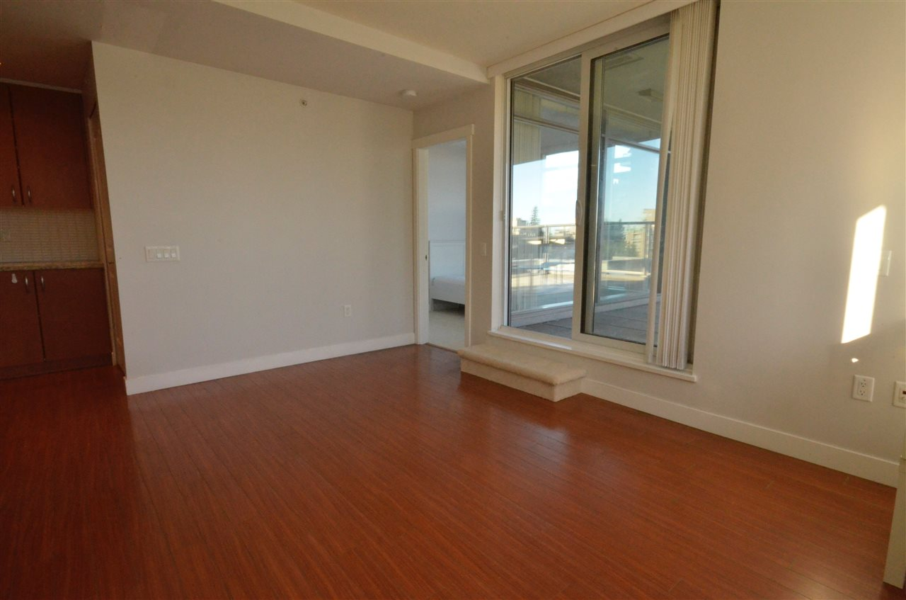 Condo Apartment at 306 9222 UNIVERSITY CRESCENT, Unit 306, Burnaby North, British Columbia. Image 2