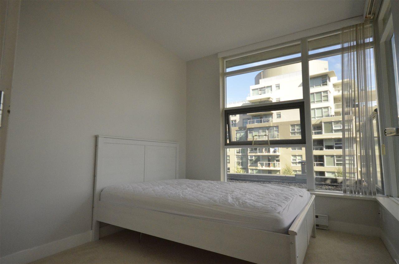 Condo Apartment at 306 9222 UNIVERSITY CRESCENT, Unit 306, Burnaby North, British Columbia. Image 4