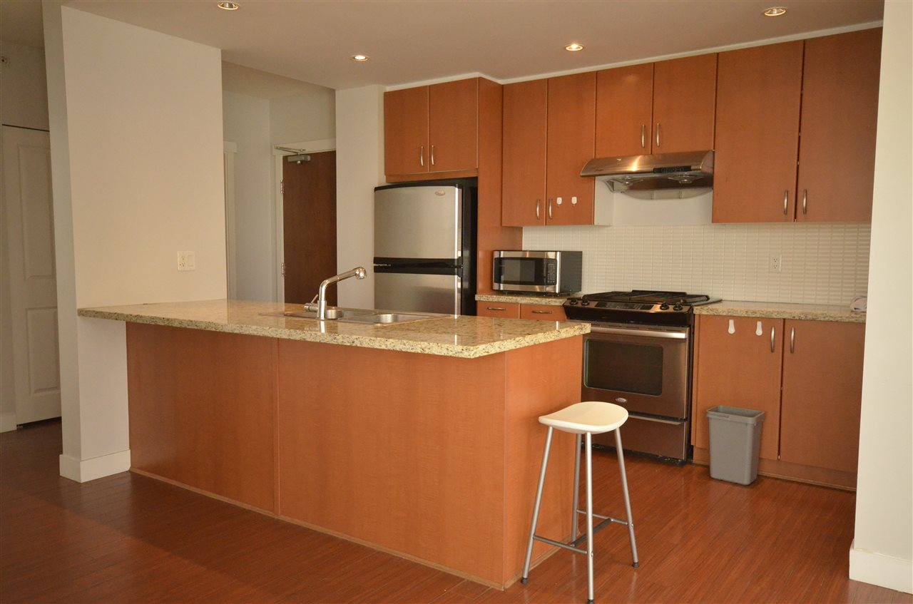 Condo Apartment at 306 9222 UNIVERSITY CRESCENT, Unit 306, Burnaby North, British Columbia. Image 5
