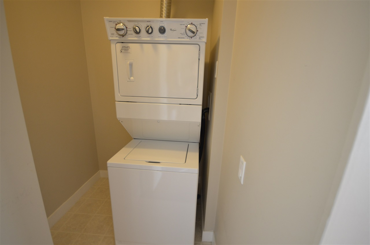 Condo Apartment at 306 9222 UNIVERSITY CRESCENT, Unit 306, Burnaby North, British Columbia. Image 6
