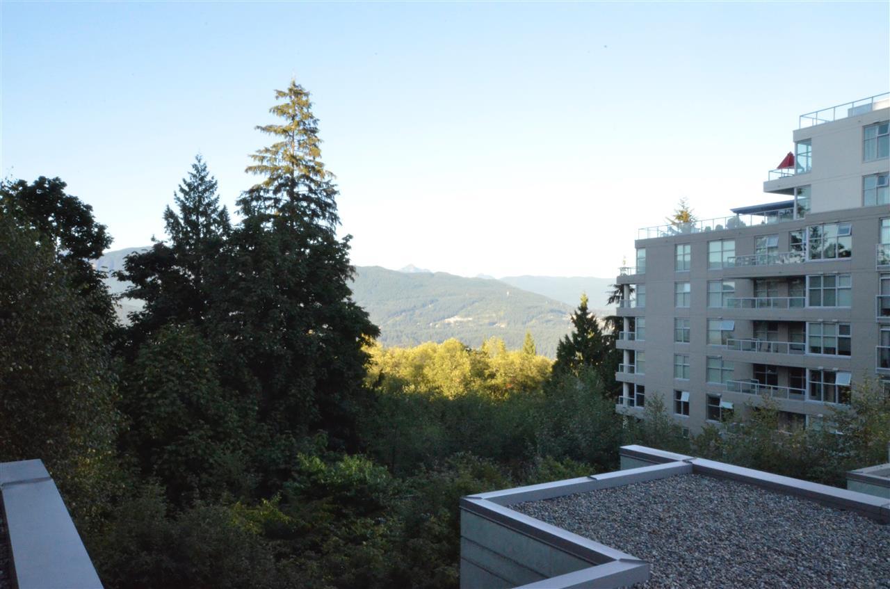 Condo Apartment at 306 9222 UNIVERSITY CRESCENT, Unit 306, Burnaby North, British Columbia. Image 11