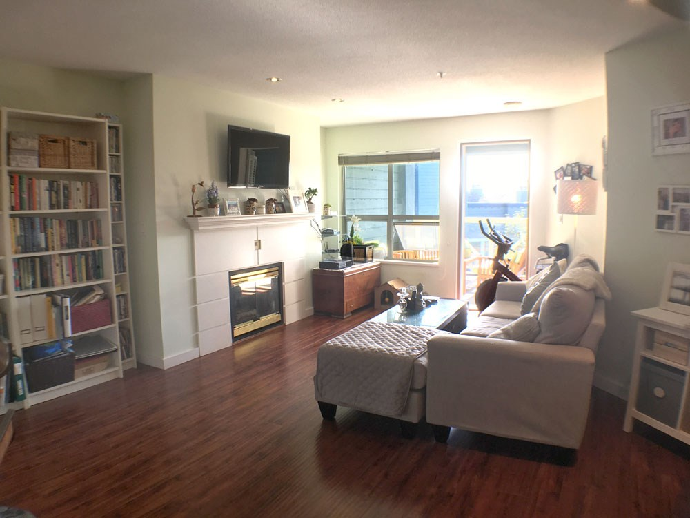 Condo Apartment at 320 12931 RAILWAY AVENUE, Unit 320, Richmond, British Columbia. Image 2