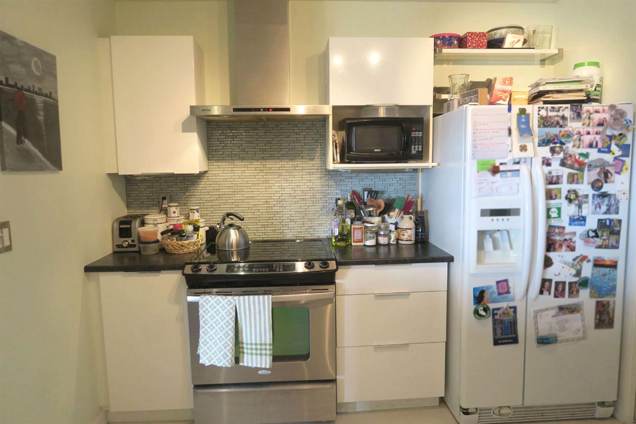 Condo Apartment at 320 12931 RAILWAY AVENUE, Unit 320, Richmond, British Columbia. Image 5