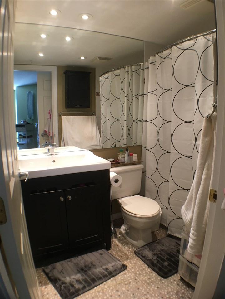 Condo Apartment at 320 12931 RAILWAY AVENUE, Unit 320, Richmond, British Columbia. Image 8