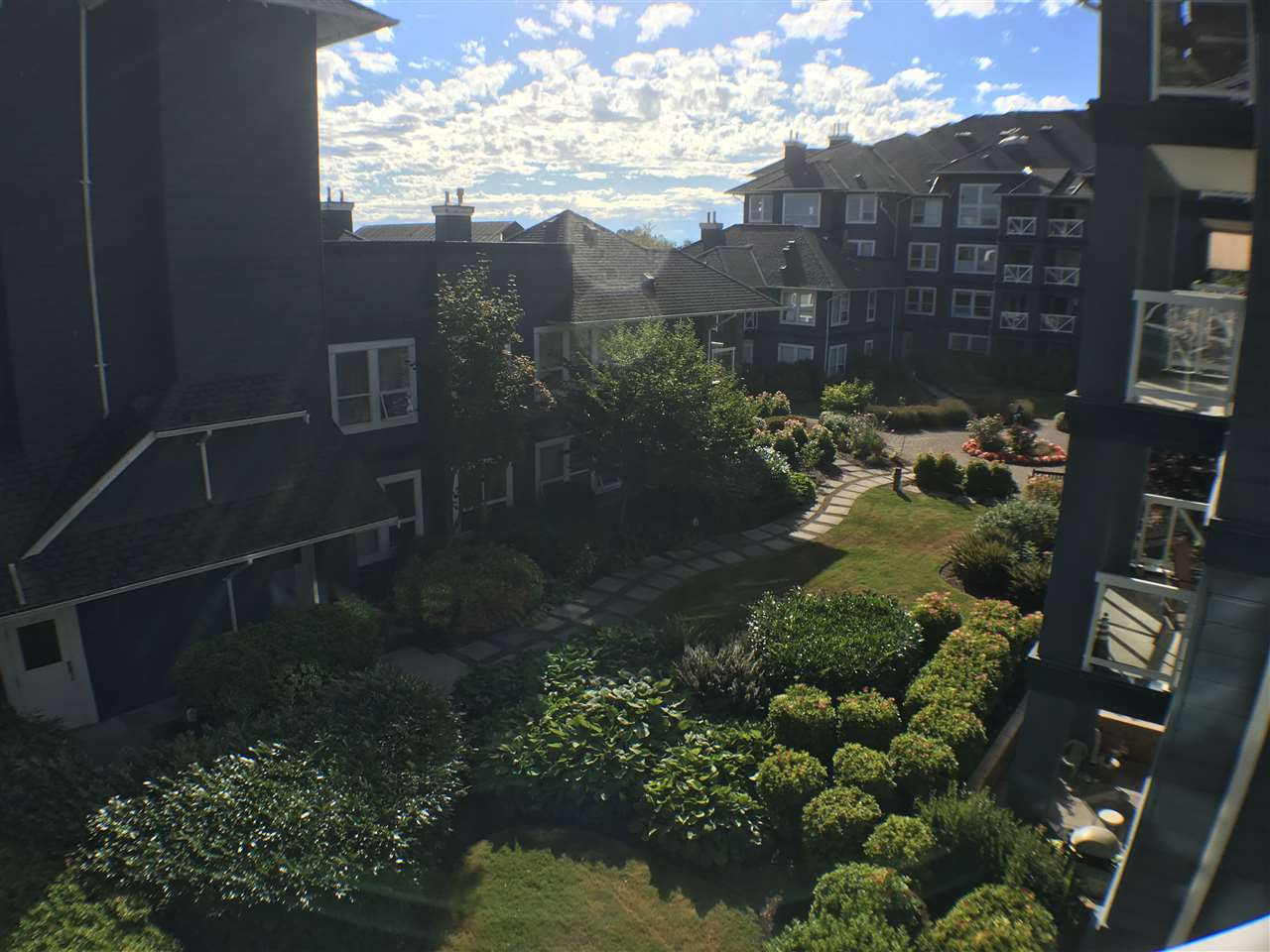 Condo Apartment at 320 12931 RAILWAY AVENUE, Unit 320, Richmond, British Columbia. Image 10