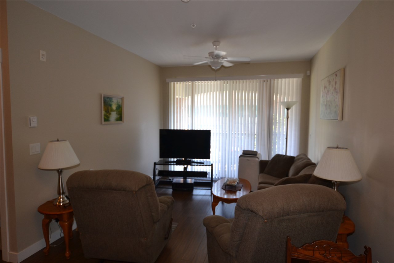 Condo Apartment at 206 33546 HOLLAND AVENUE, Unit 206, Abbotsford, British Columbia. Image 1