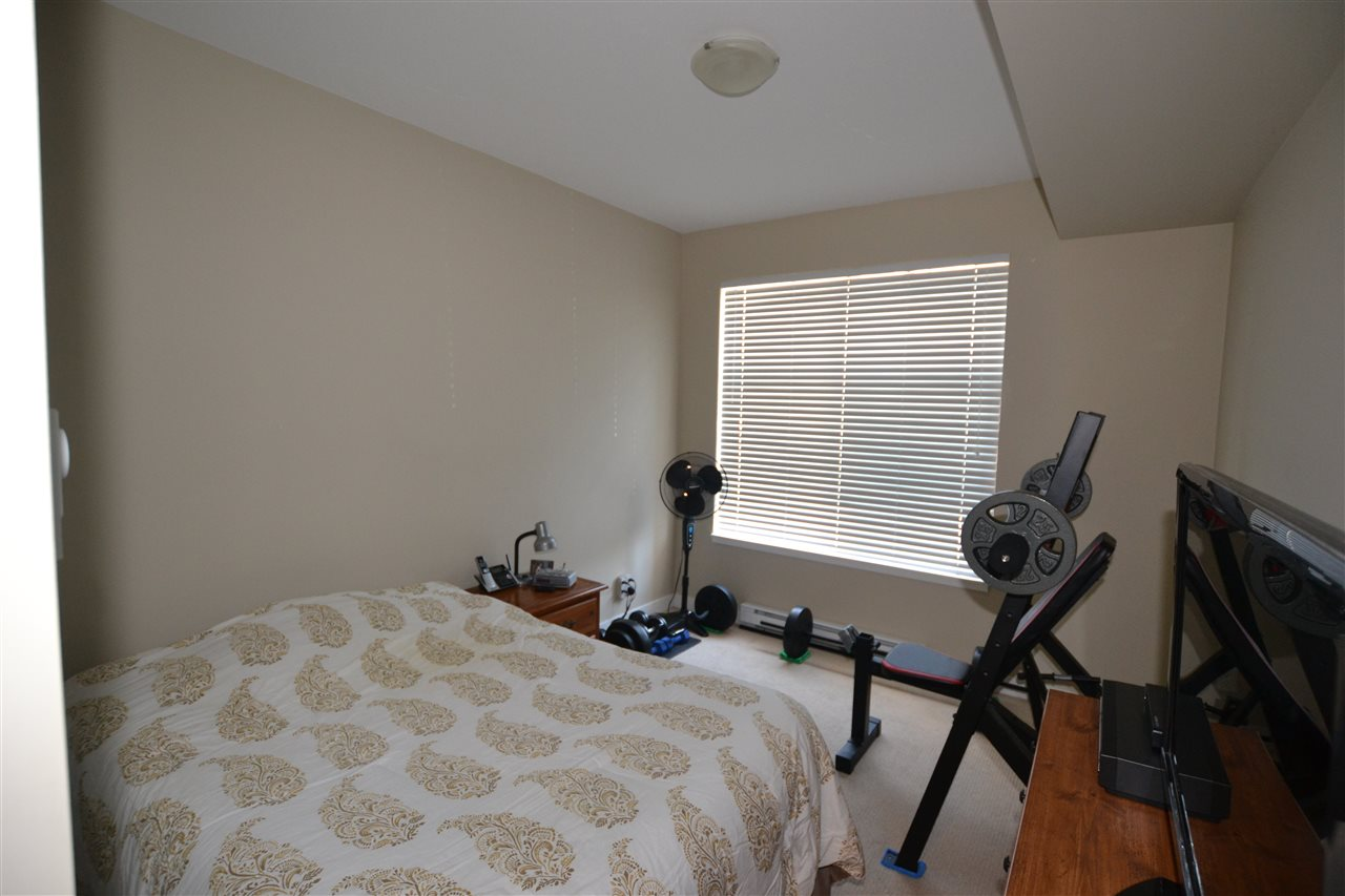Condo Apartment at 206 33546 HOLLAND AVENUE, Unit 206, Abbotsford, British Columbia. Image 7
