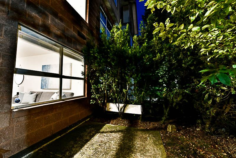 Townhouse at 5628 WESSEX STREET, Vancouver East, British Columbia. Image 19