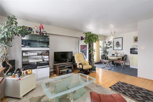 Condo Apartment at 204 550 N ESMOND AVENUE, Unit 204, Burnaby North, British Columbia. Image 5