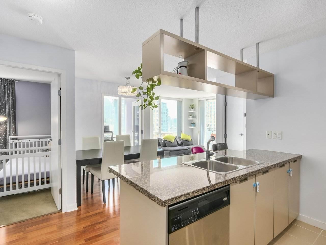 Condo Apartment at 808 1082 SEYMOUR STREET, Unit 808, Vancouver West, British Columbia. Image 2