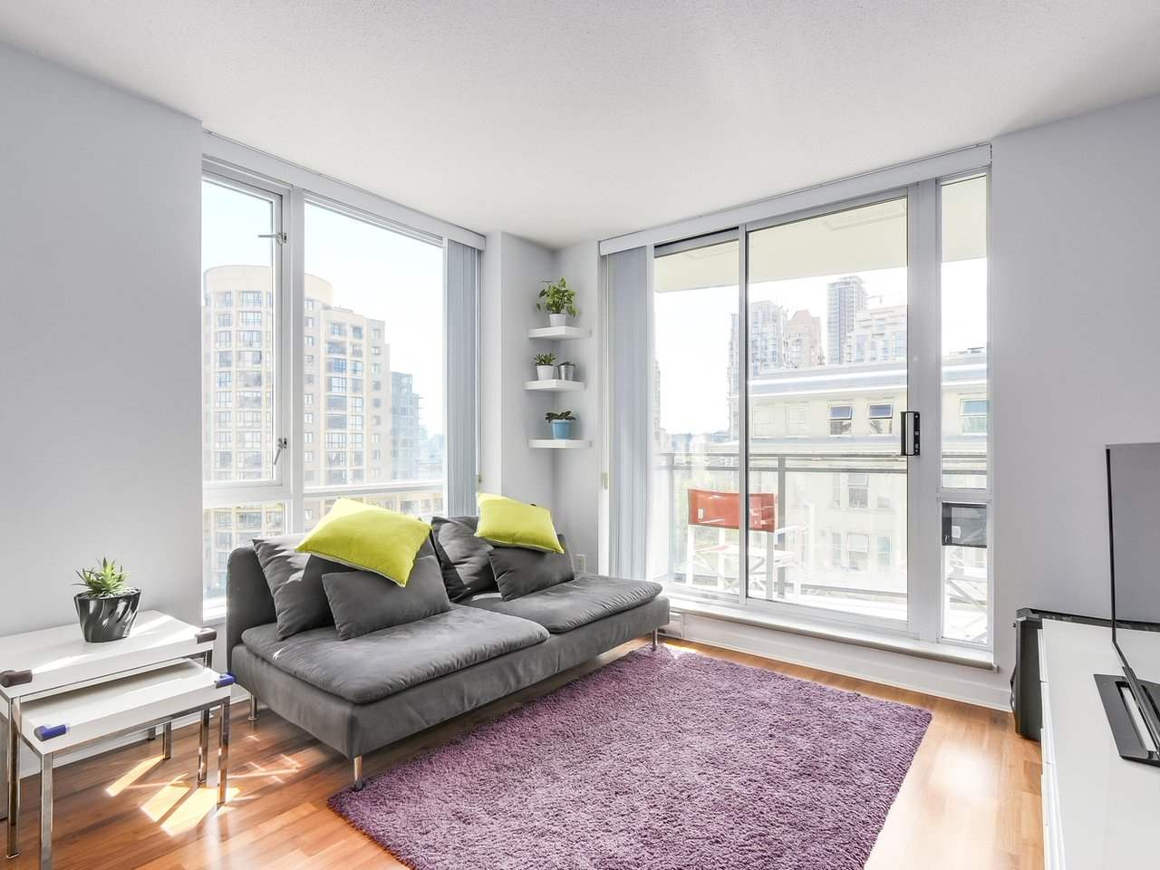 Condo Apartment at 808 1082 SEYMOUR STREET, Unit 808, Vancouver West, British Columbia. Image 7