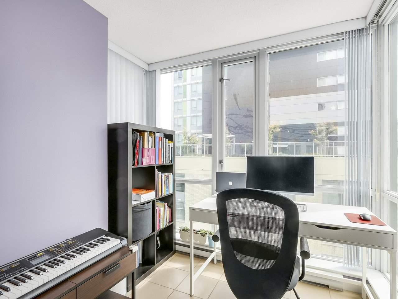 Condo Apartment at 808 1082 SEYMOUR STREET, Unit 808, Vancouver West, British Columbia. Image 9