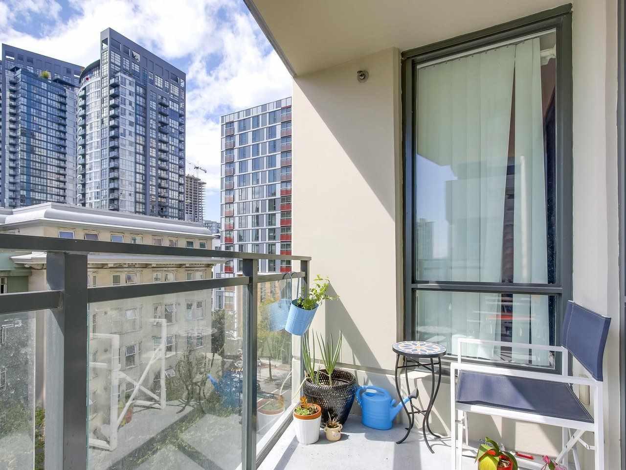 Condo Apartment at 808 1082 SEYMOUR STREET, Unit 808, Vancouver West, British Columbia. Image 10