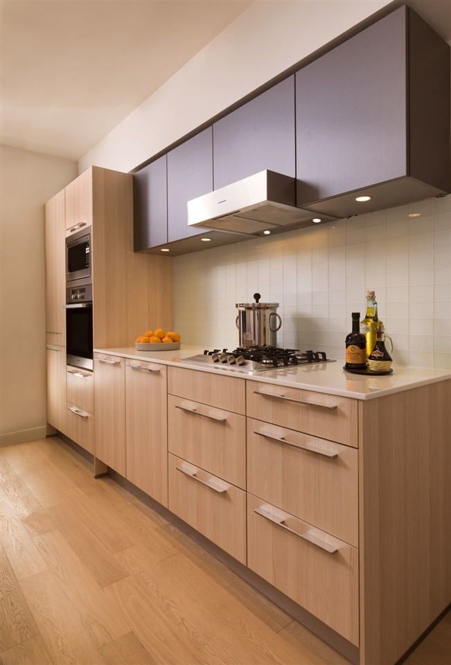 Condo Apartment at 709 2220 KINGSWAY STREET, Unit 709, Vancouver East, British Columbia. Image 2