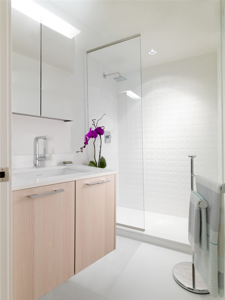 Condo Apartment at 709 2220 KINGSWAY STREET, Unit 709, Vancouver East, British Columbia. Image 4