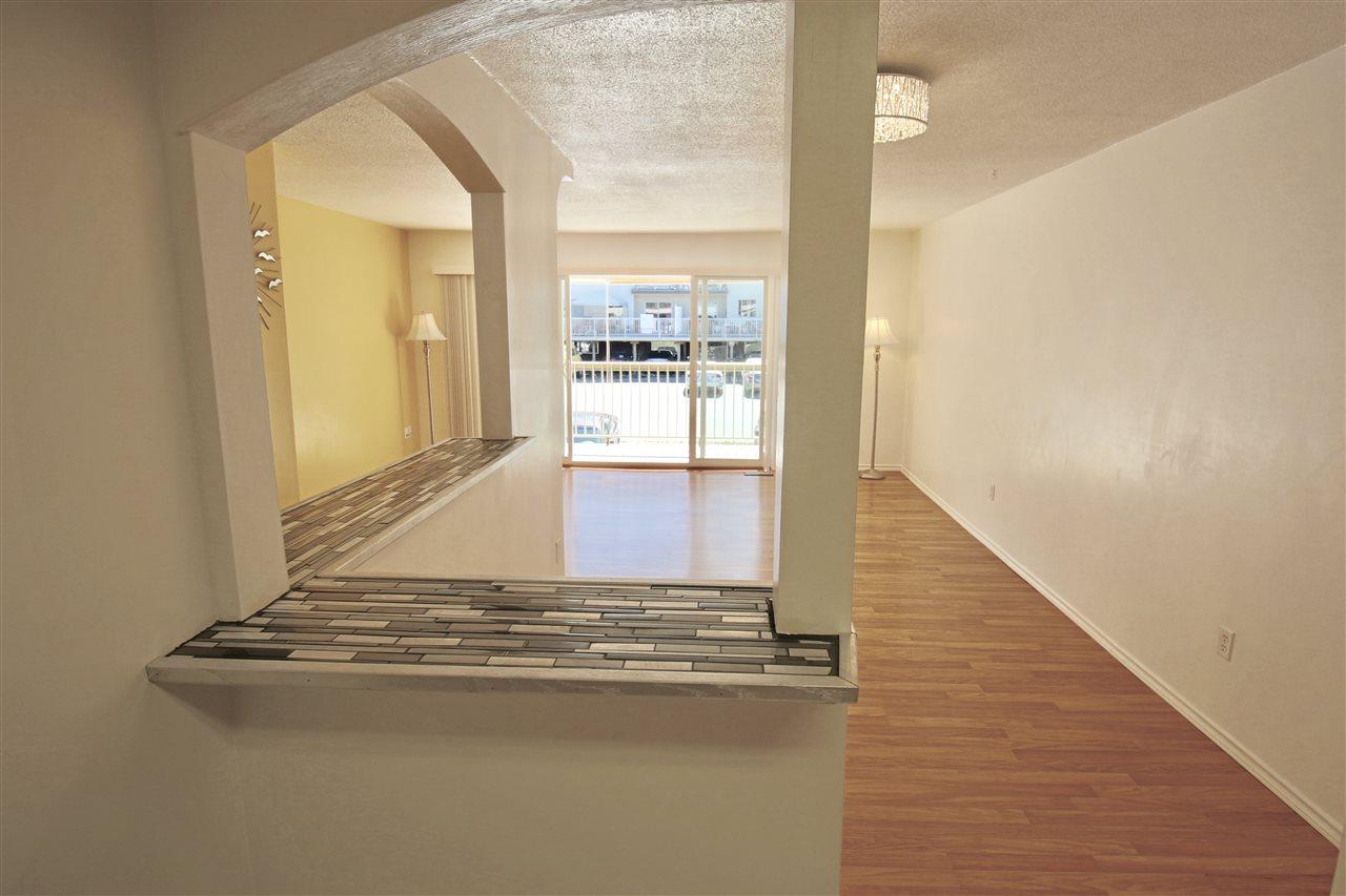 Condo Apartment at 203 3001 ST GEORGE STREET, Unit 203, Port Moody, British Columbia. Image 8