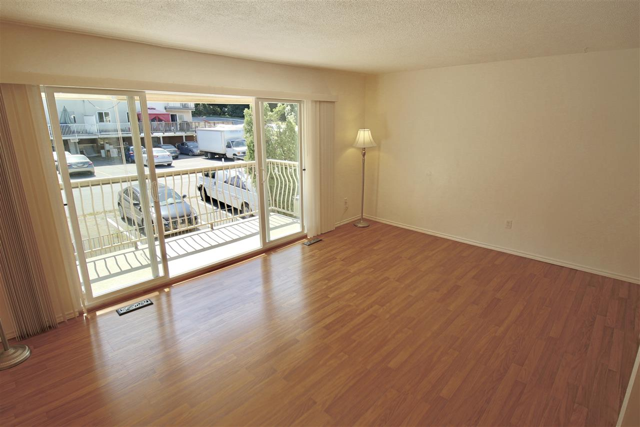 Condo Apartment at 203 3001 ST GEORGE STREET, Unit 203, Port Moody, British Columbia. Image 9