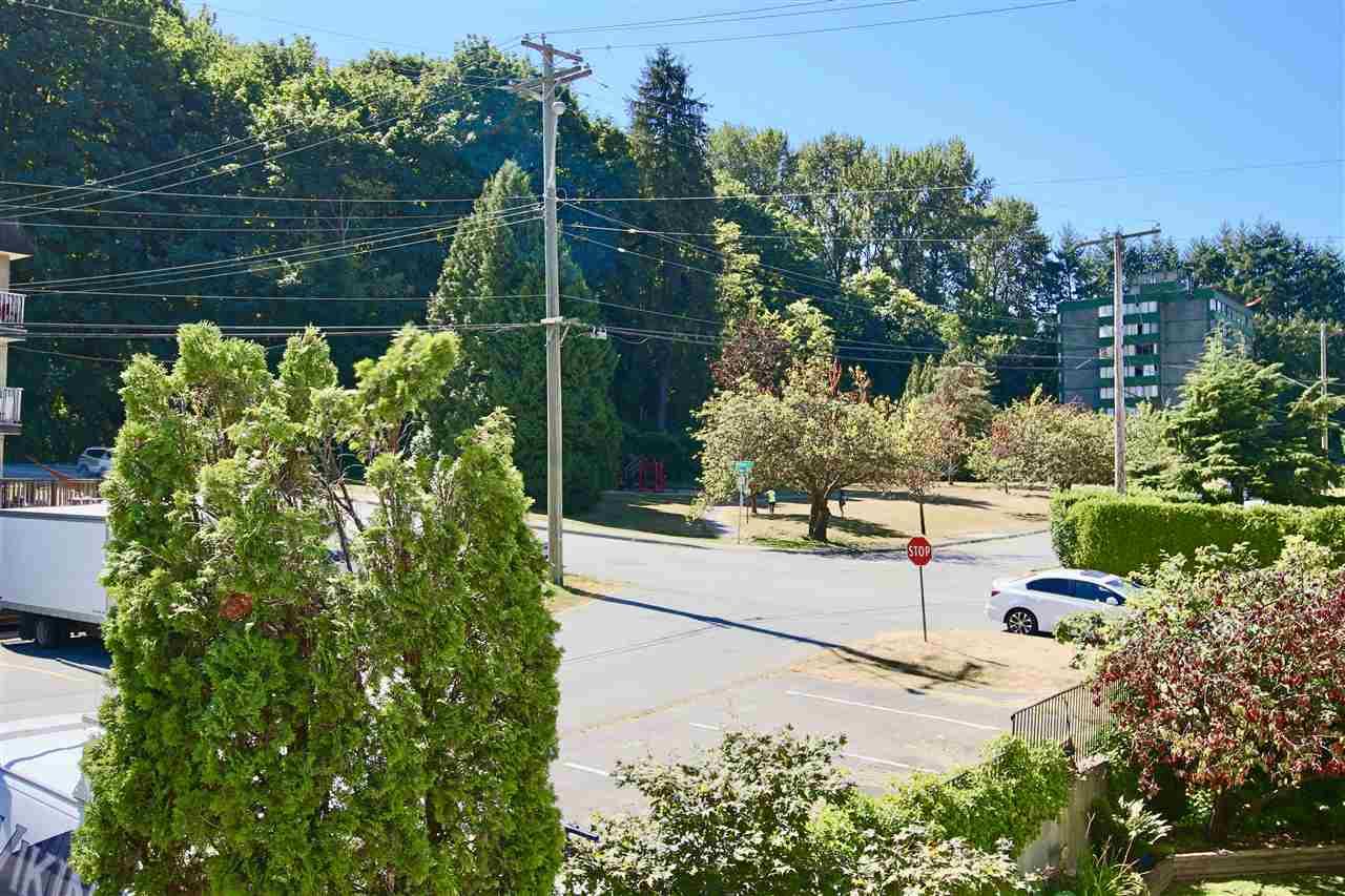 Condo Apartment at 203 3001 ST GEORGE STREET, Unit 203, Port Moody, British Columbia. Image 12