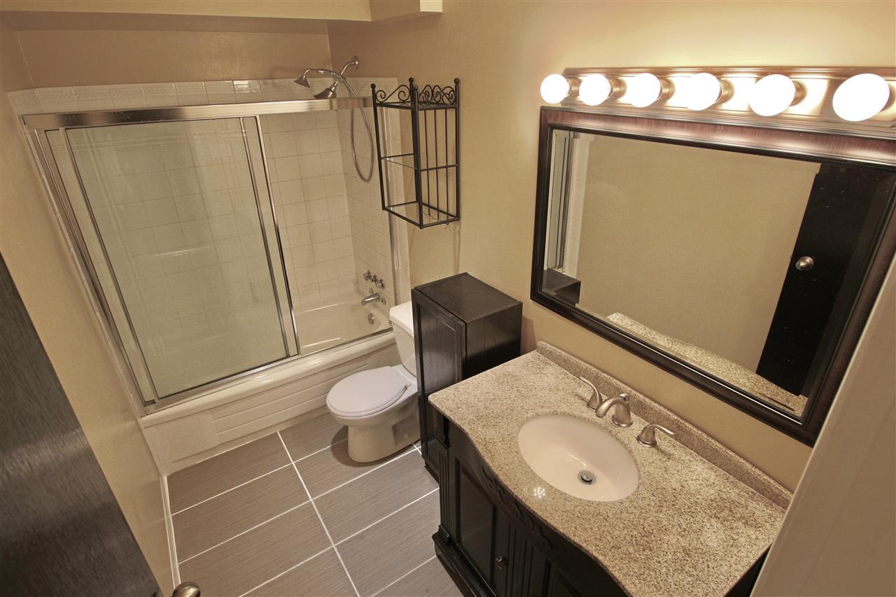 Condo Apartment at 203 3001 ST GEORGE STREET, Unit 203, Port Moody, British Columbia. Image 16