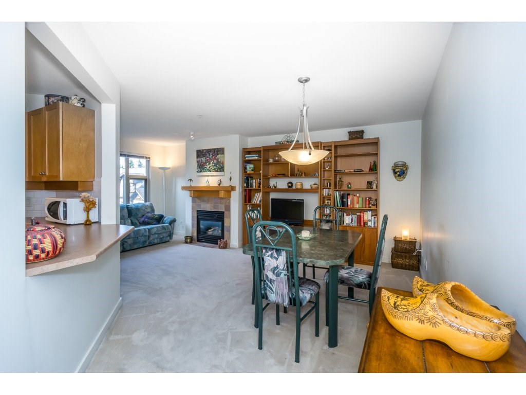 Condo Apartment at 309 15 SMOKEY SMITH PLACE, Unit 309, New Westminster, British Columbia. Image 3