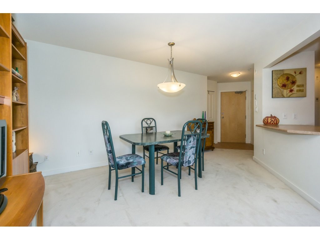 Condo Apartment at 309 15 SMOKEY SMITH PLACE, Unit 309, New Westminster, British Columbia. Image 4
