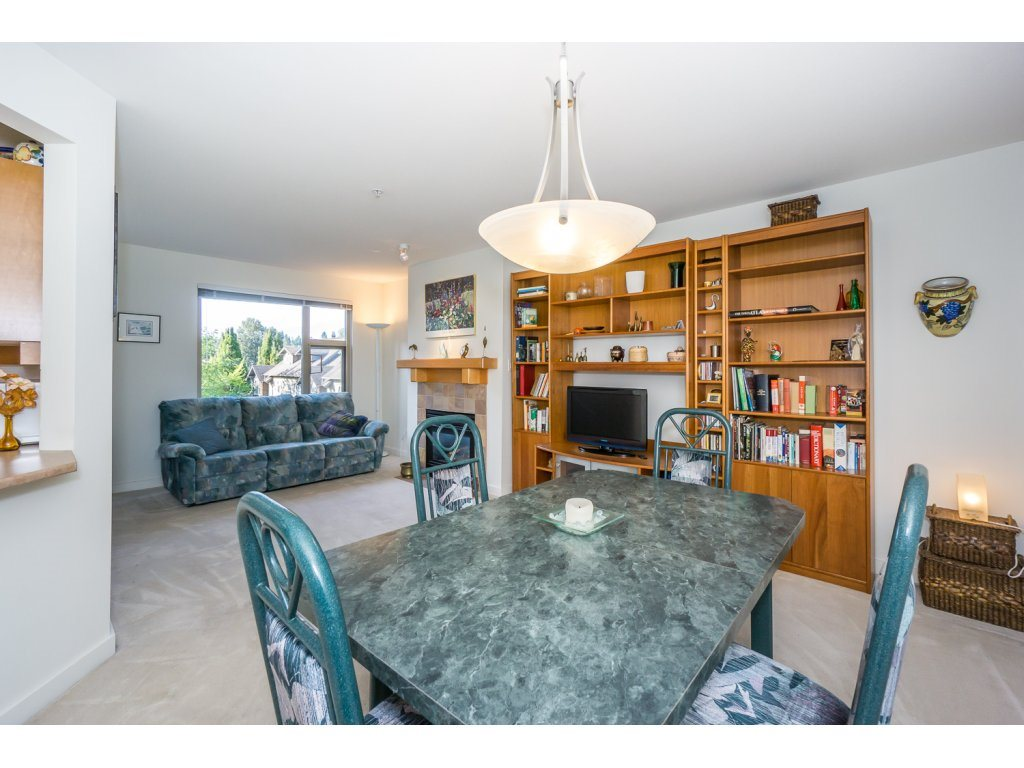 Condo Apartment at 309 15 SMOKEY SMITH PLACE, Unit 309, New Westminster, British Columbia. Image 5