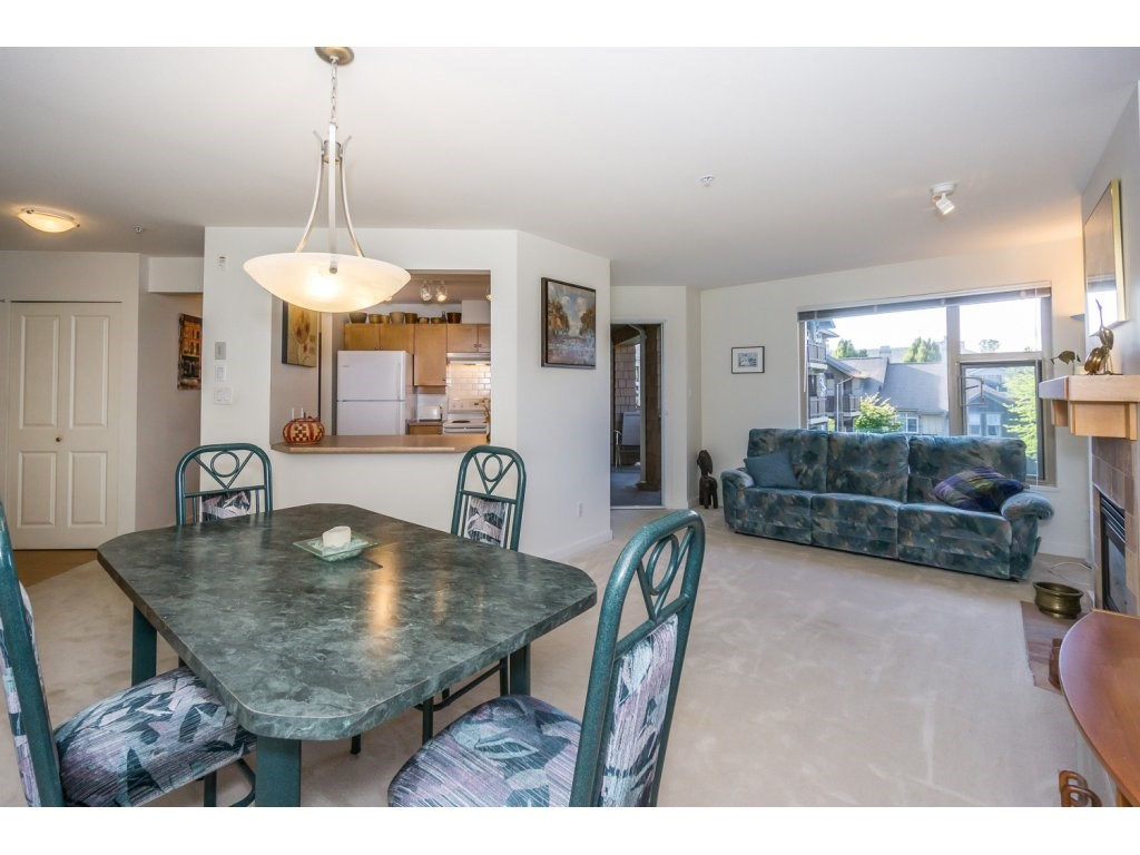 Condo Apartment at 309 15 SMOKEY SMITH PLACE, Unit 309, New Westminster, British Columbia. Image 6