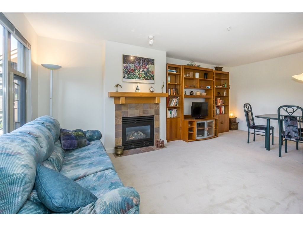 Condo Apartment at 309 15 SMOKEY SMITH PLACE, Unit 309, New Westminster, British Columbia. Image 7