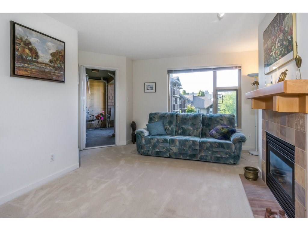 Condo Apartment at 309 15 SMOKEY SMITH PLACE, Unit 309, New Westminster, British Columbia. Image 8