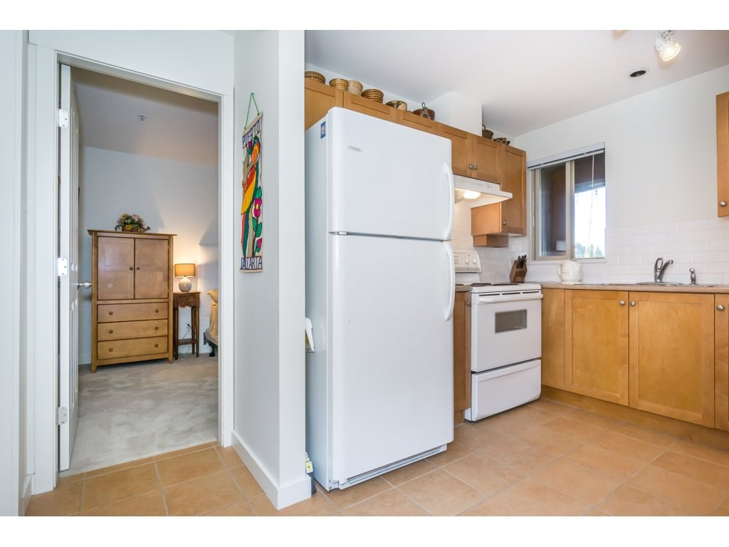 Condo Apartment at 309 15 SMOKEY SMITH PLACE, Unit 309, New Westminster, British Columbia. Image 9
