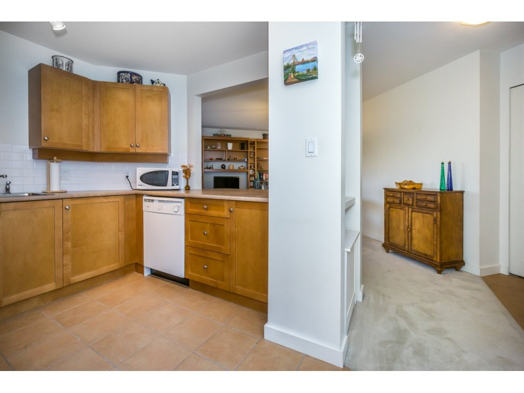 Condo Apartment at 309 15 SMOKEY SMITH PLACE, Unit 309, New Westminster, British Columbia. Image 12