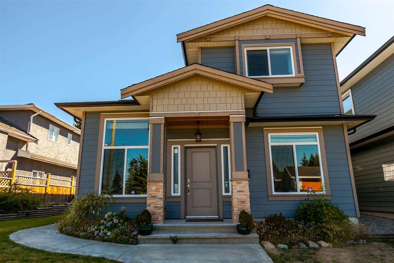 Half-duplex at 4266 CARLETON AVENUE, Burnaby South, British Columbia. Image 3