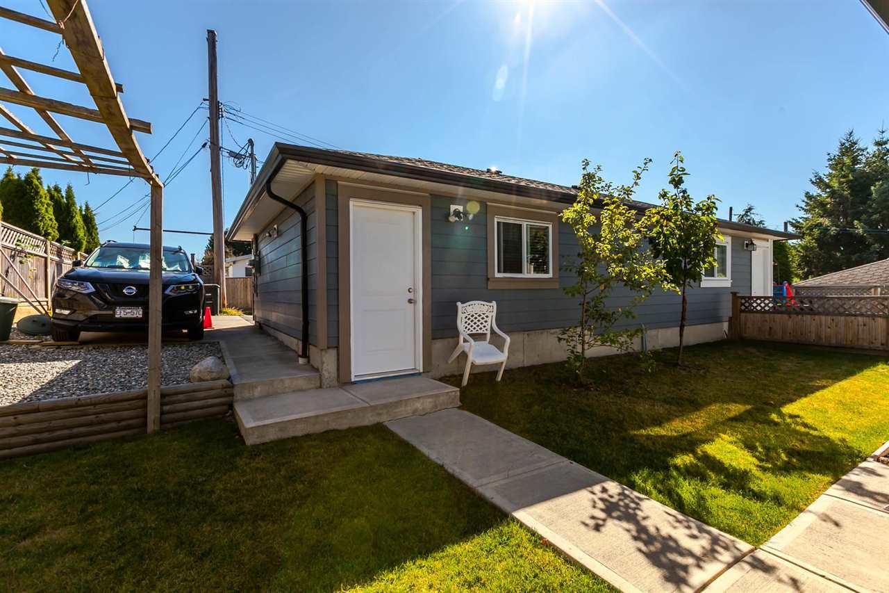 Half-duplex at 4266 CARLETON AVENUE, Burnaby South, British Columbia. Image 4