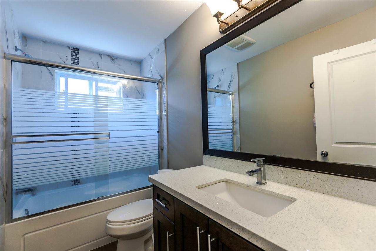 Half-duplex at 4266 CARLETON AVENUE, Burnaby South, British Columbia. Image 7