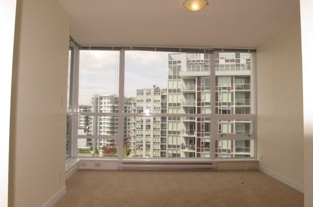 Condo Apartment at 1501 7555 ALDERBRIDGE WAY, Unit 1501, Richmond, British Columbia. Image 5
