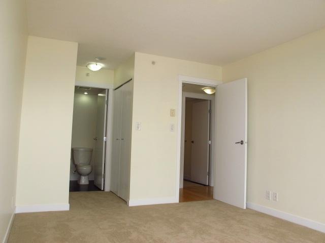 Condo Apartment at 1501 7555 ALDERBRIDGE WAY, Unit 1501, Richmond, British Columbia. Image 7