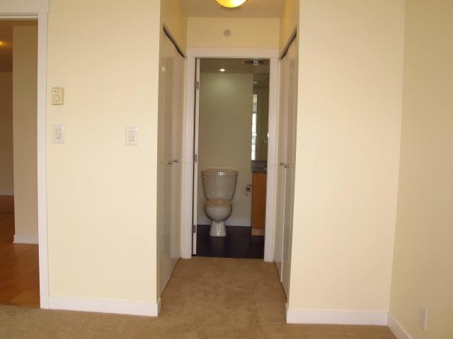 Condo Apartment at 1501 7555 ALDERBRIDGE WAY, Unit 1501, Richmond, British Columbia. Image 11