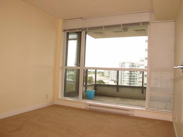 Condo Apartment at 1501 7555 ALDERBRIDGE WAY, Unit 1501, Richmond, British Columbia. Image 14