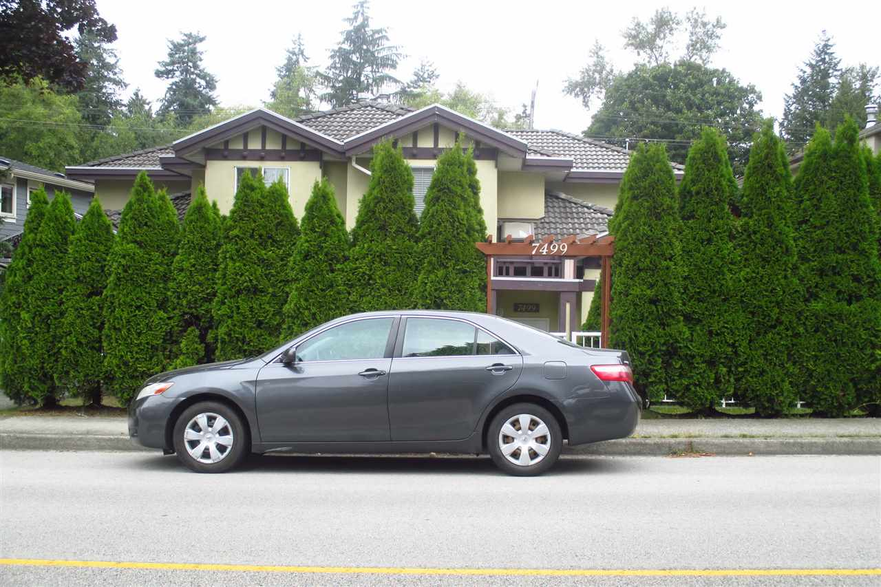 Half-duplex at 7499 IMPERIAL STREET, Burnaby South, British Columbia. Image 2