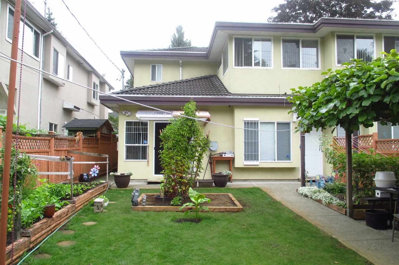Half-duplex at 7499 IMPERIAL STREET, Burnaby South, British Columbia. Image 4