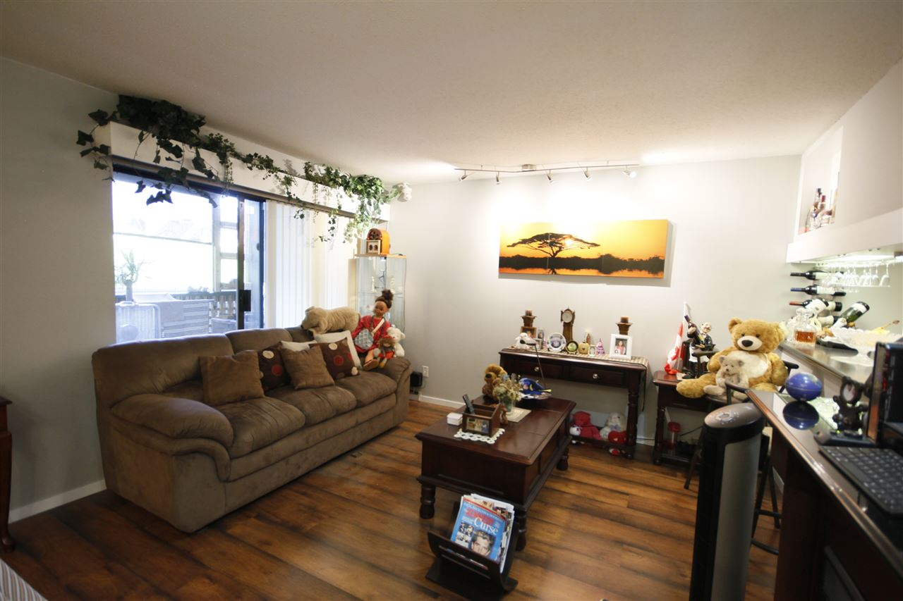 Condo Apartment at 112 8651 WESTMINSTER HIGHWAY, Unit 112, Richmond, British Columbia. Image 3