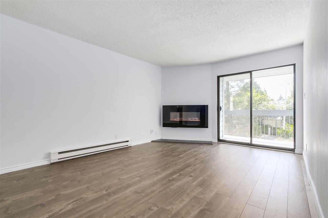 Condo Apartment at 320 10530 154 STREET, Unit 320, North Surrey, British Columbia. Image 4