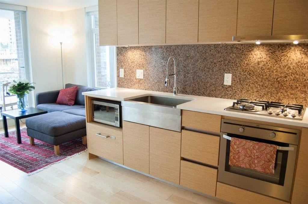 Condo Apartment at 608 565 SMITHE STREET, Unit 608, Vancouver West, British Columbia. Image 2