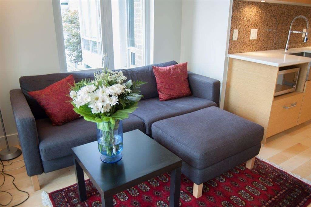 Condo Apartment at 608 565 SMITHE STREET, Unit 608, Vancouver West, British Columbia. Image 3