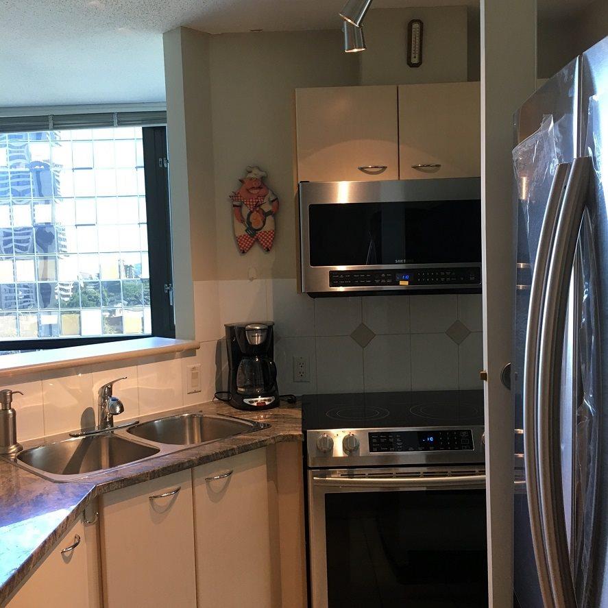Condo Apartment at 1508 1367 ALBERNI STREET, Unit 1508, Vancouver West, British Columbia. Image 4