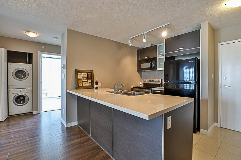 Condo Apartment at 309 13688 100 AVENUE, Unit 309, North Surrey, British Columbia. Image 4